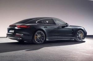 Двухдверное купе и кабриолет: Porsche работает над новыми версиями Panamera