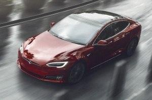 Комфортнее и дальнобойнее: Tesla обновила Model S и Model X
