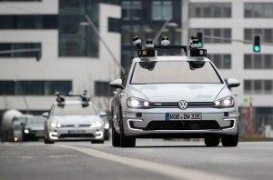 Volkswagen приступил к испытаниям автомобилей с автопилотом четвертого уровня